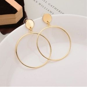 Jewelry - UO Geometric Modern Gold Loop Earrings